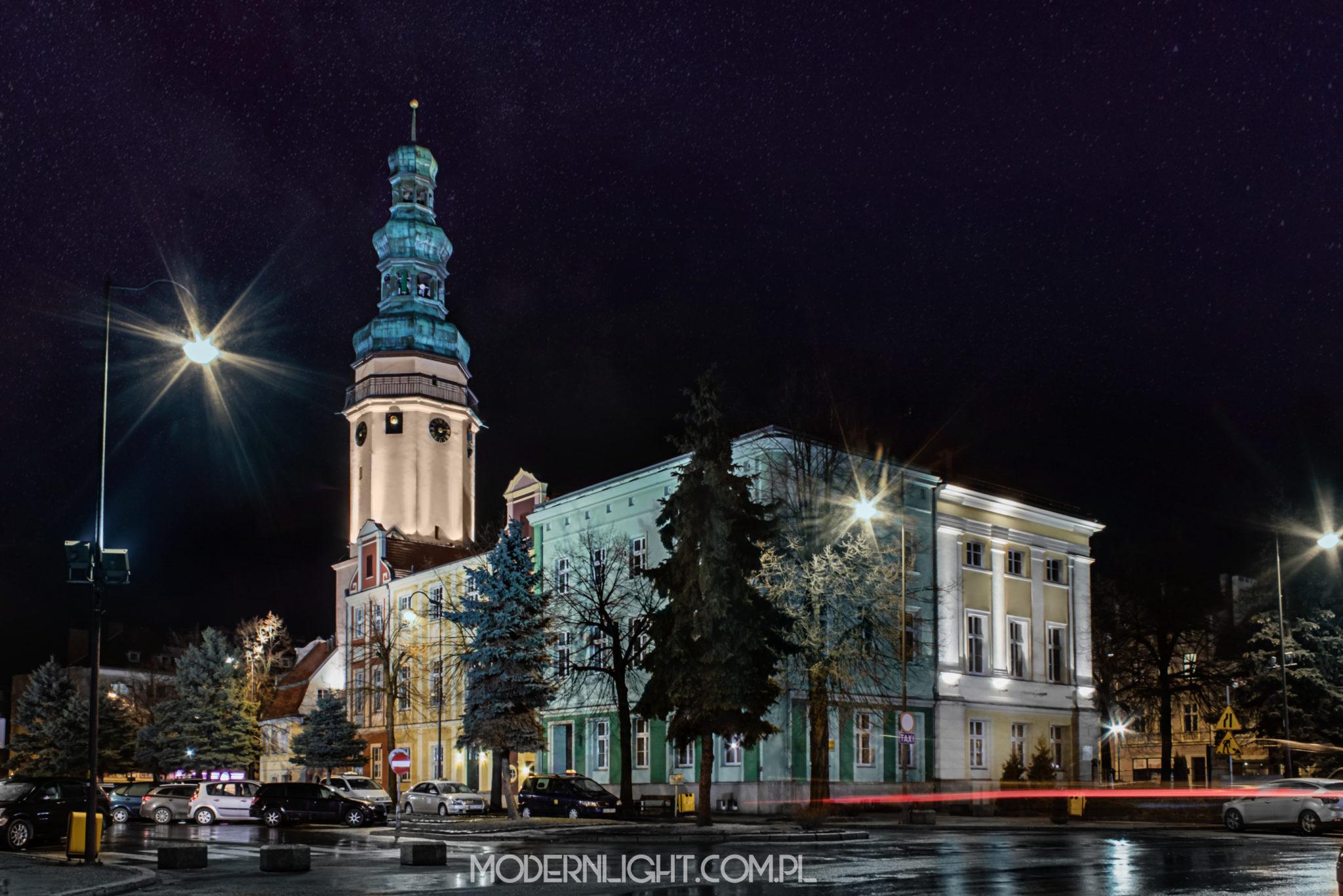 Fotografia oława ratusz rynek zabytek kościół
